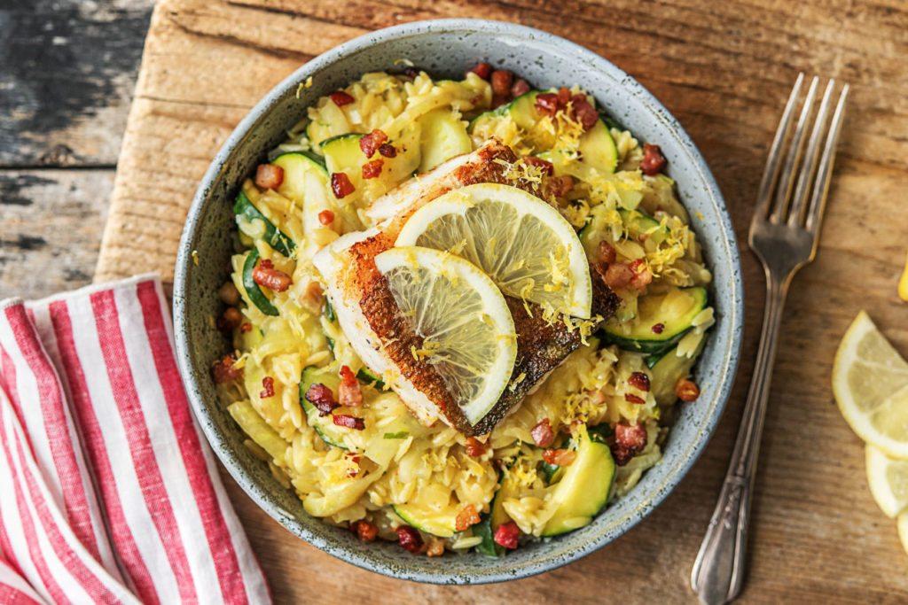 Orzo-risotto met kabeljauw, spekjes, citroen en tijm | HelloFresh