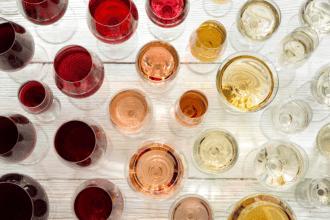 Hoe muziek de smaak van wijn beïnvloedt