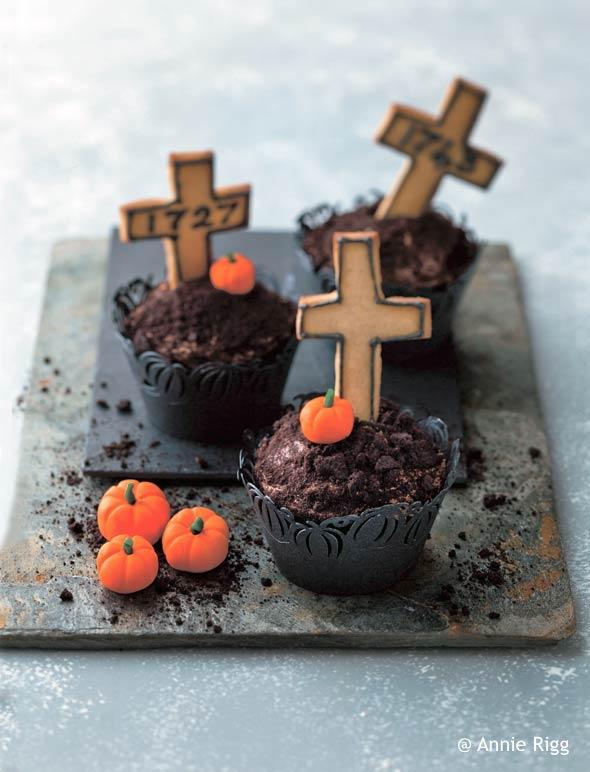 Graveyard Cupcake