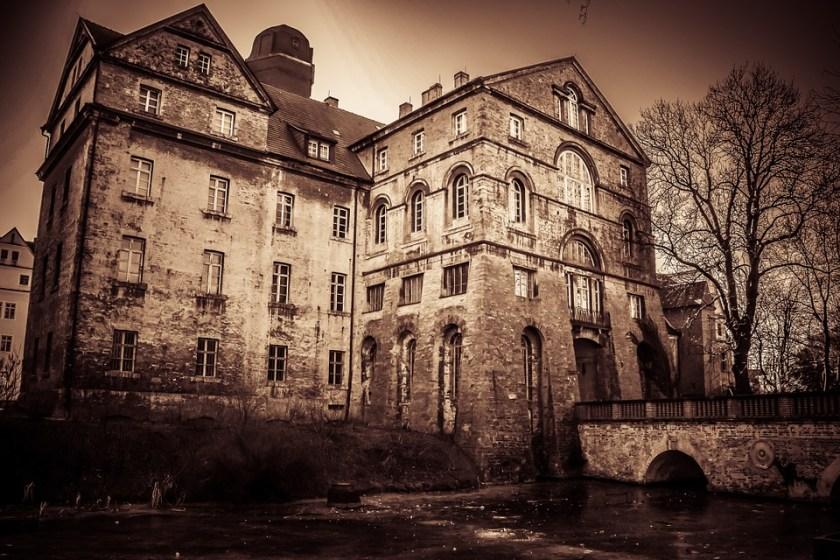 dead girl haunted hysteria hall