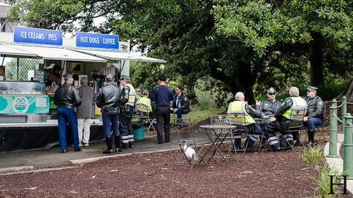 20120529-131702-Australien, Mrs. Macquaries Point, Polizisten, Royal Botanical Garden, Sydney, Weltreise-20120529-131702-Australien-Mrs.-Macquaries-Point-Polizisten-Royal-Botanical-Garden-Sydney_DSC3331