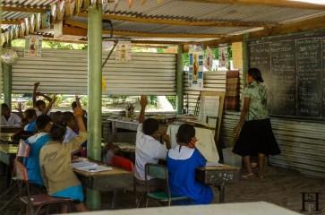 20120716-114007-Fidschi, Inselrundgang, Mana Island, Schule, Weltreise-_DSC9910