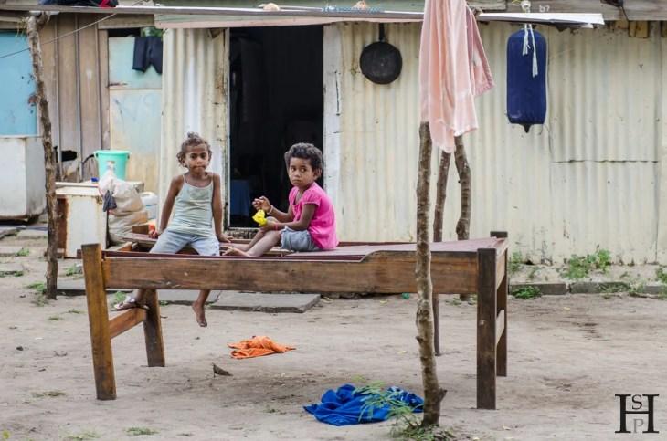 20120723-161444-Dorf, Fidschi, Kinder, Mana Island, Weltreise-_DSC0146