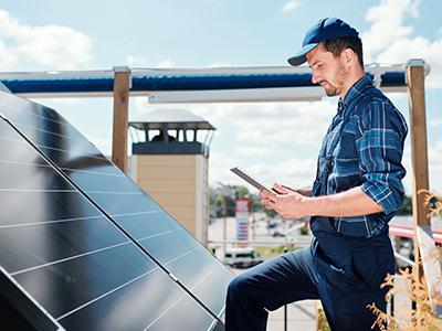manutenção painel energia solar