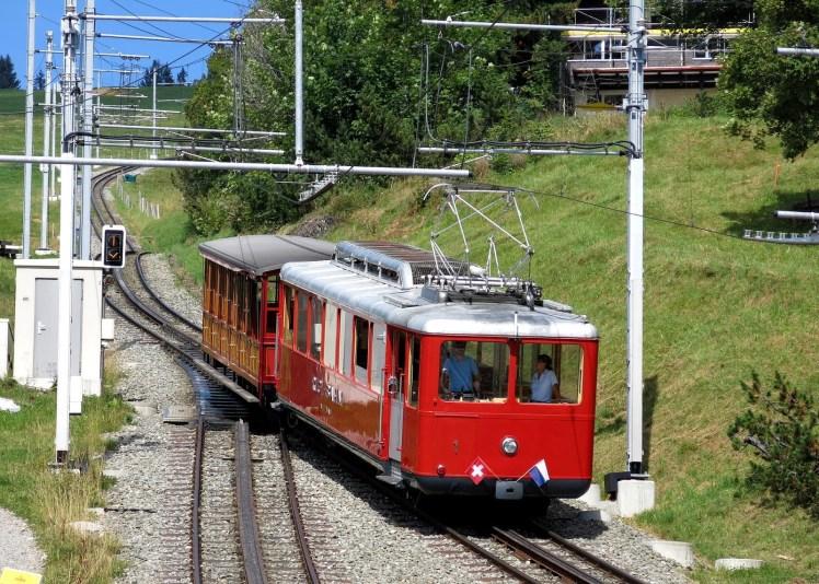 f1858-train-1643985_1920