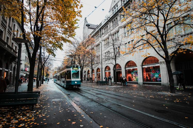 This image has an empty alt attribute; its file name is architecture-autumn-avenue-bahnhofstrasse-buildings-city-1560099-pxhere.com_.jpg