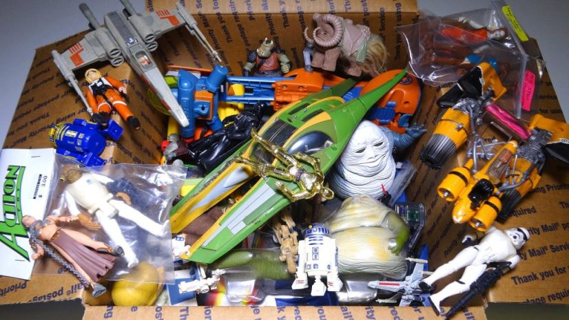 Auction Houses often have to sell large parts of collections as lots, here Star Wars toys.