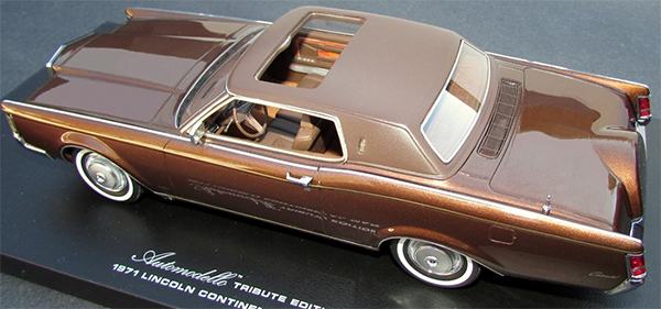 automodello lincoln continental