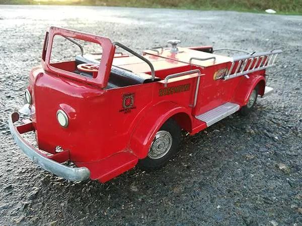 tinplate fire engine