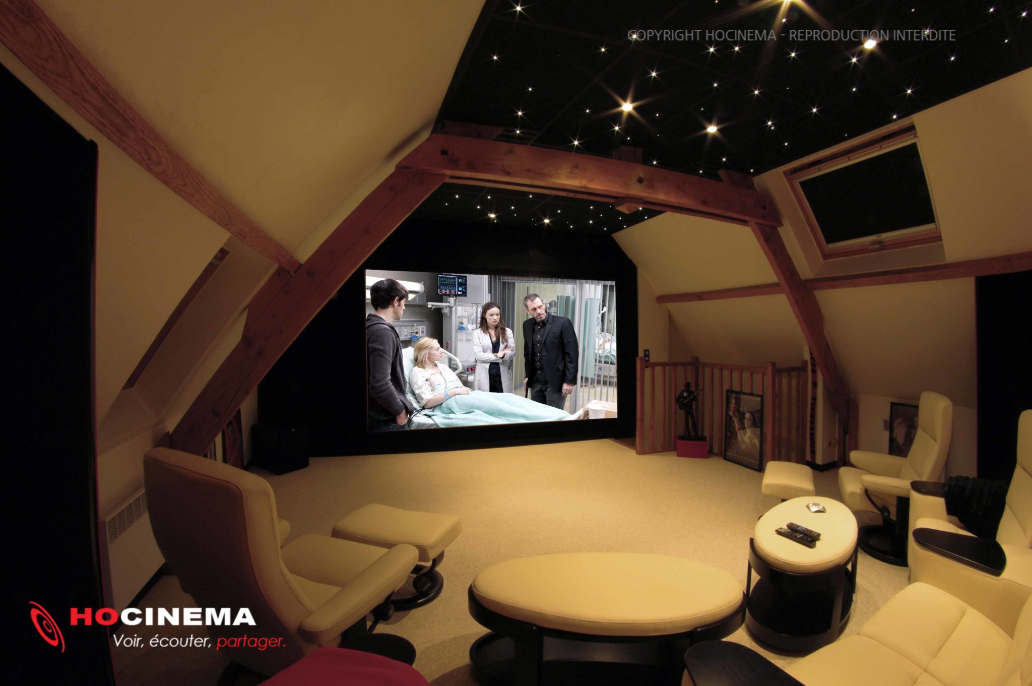 salle home cinema et emplacement inattendu. Black Bedroom Furniture Sets. Home Design Ideas