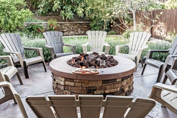 backyard fire pit and chairs