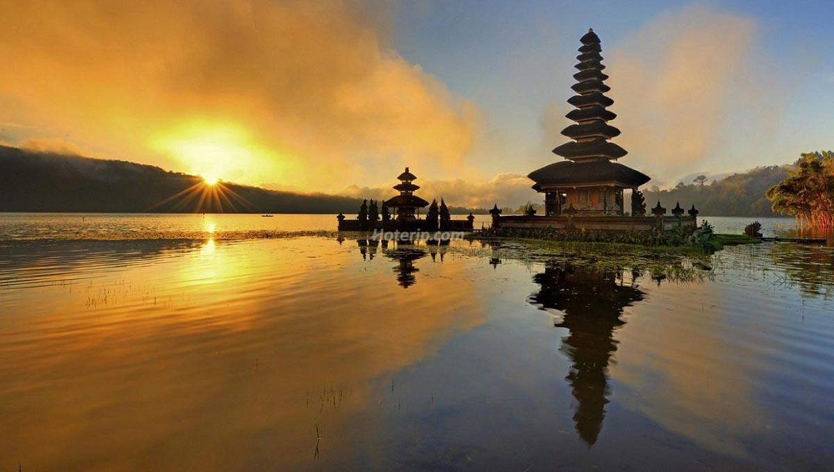 Bali, Surga Dunia dengan Ribuan Pura dan Ragam Wisata
