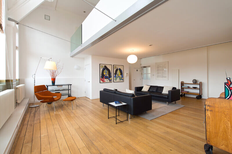 Stunning 2 Bedroom Triplex Penthouse in Kingsway Place, Clerkenwell, EC1