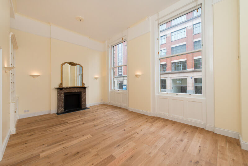 Stunning 3 Bedroom Apartment in Dover Court, St John Street, EC1