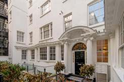 Exceptional two bedroom apartment, nestled away in Covent Garden, Exchange Court, WC2