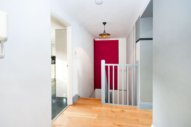 Beautifully furnished 3 bedroom duplex apartment, St John Street, EC1
