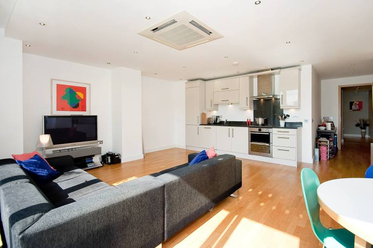 Two Bedroom apartment with 'Everything' looking over HAC grounds, EC1