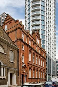 One bedroom apartment located in a building full of history, Alie Street, E1