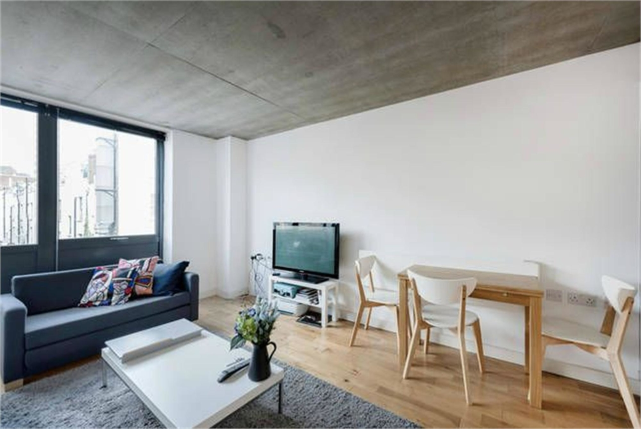 A very spacious and industrial themed apartment,  London's Euston, NW1