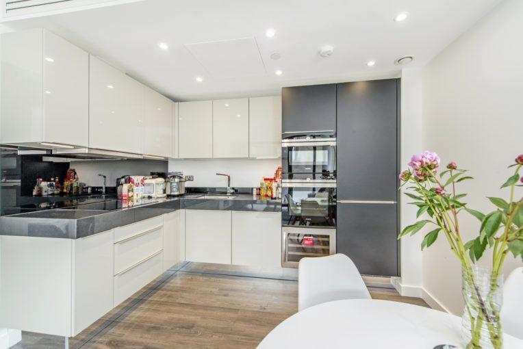 Two Bedroom Apartment in Prestigious Goodman's Fields, Aldgate East, E1