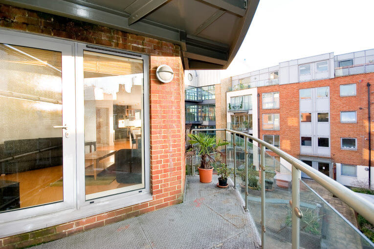 One Bedroom Apartment in Oasis of Calm, Britton Street, EC1