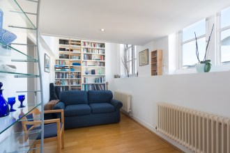 Back to school – Two Bedroom Apartment in Converted School, Kingsway Place, EC1