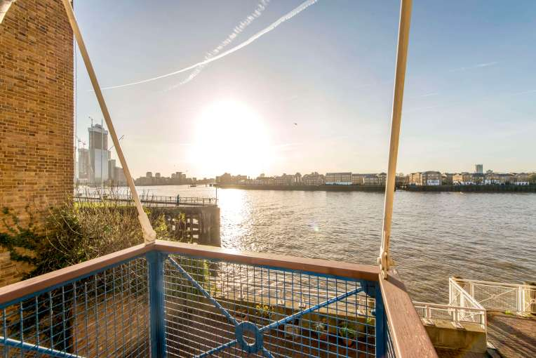 Waterside Three Double Bedroom Apartment, Paper Mill Wharf, E14