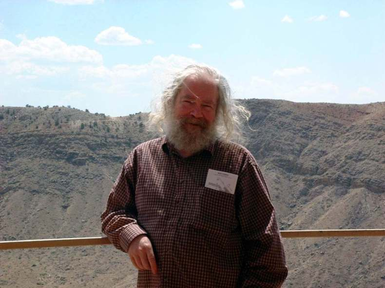 https://i2.wp.com/blog.iconsf.org/wp-content/uploads/2016/08/John-Grant-author-photo-Meteor-Crater-Arizona.jpg?w=790