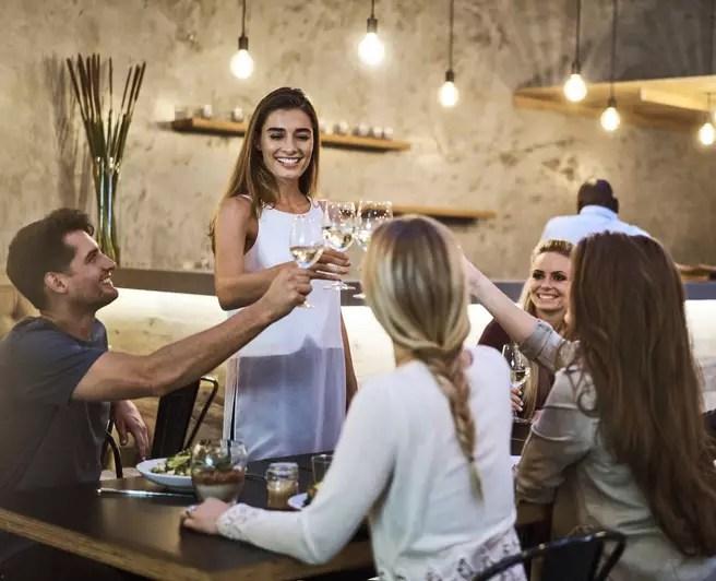 Iluminação para restaurantes: aprenda como impressionar os clientes!