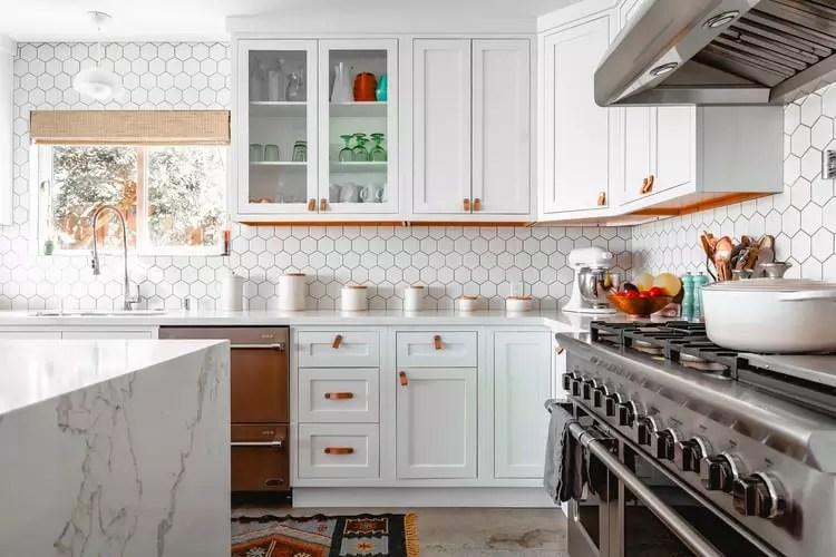 decoração-classica-cozinha-branca