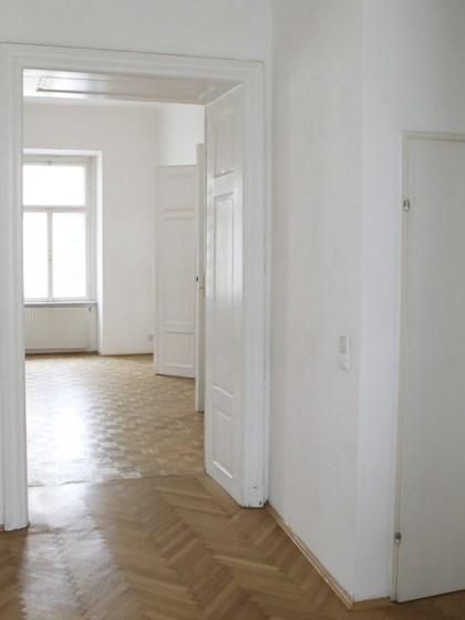 Vermieten einen Büro-/Atelierraum (24m2) in Bürogemeinschaft Nähe Sofitel (1020)