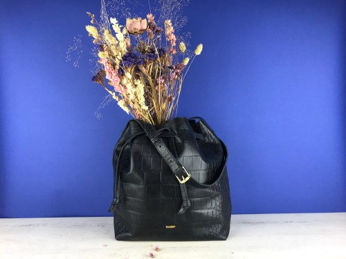 grand sac bourse en cuir facçon croco noir marque inaden