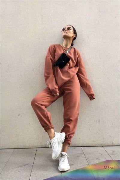 Look femme basket façon streetwear