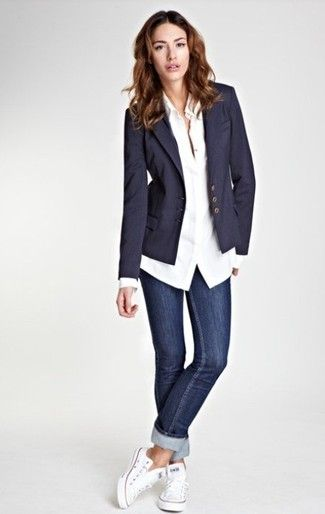 Look femme jeans basket casual chic