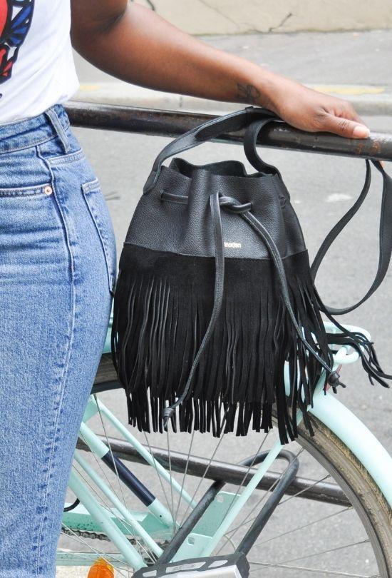 petit sac à franges noir en cuir