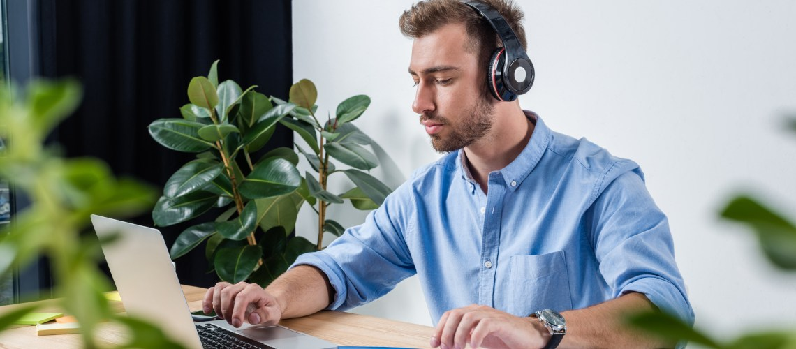 What you need to know about voice-overs in e-learning