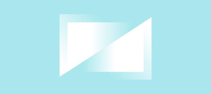 triangoli sovrapposti, rappresentazione iconica del CRM coadiuvato da intelligenza artificiale