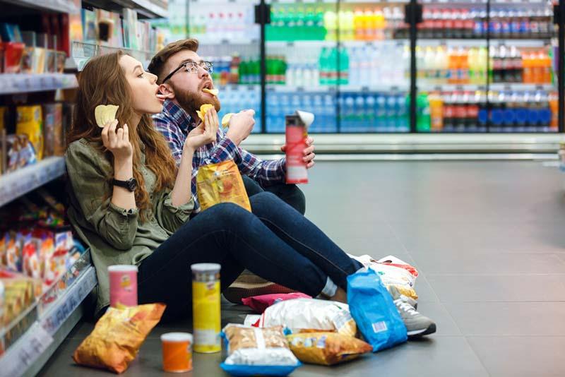 Batasi Pengeluaran Kamu, Jangan Belanja Saat Galau atau Lapar