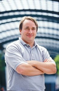 Linus Torvalds- studente dell'università di Helsinki ha dato il via allo sviluppo del kernel di Linux