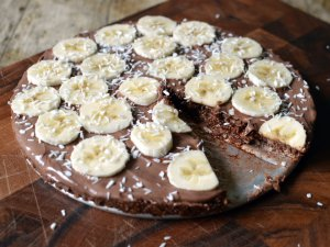Recipe: No-bake chocolate ball cake with nutella and bananas