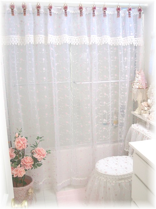 7 Reasons To Choose A Shower Curtain Over A Shower Door