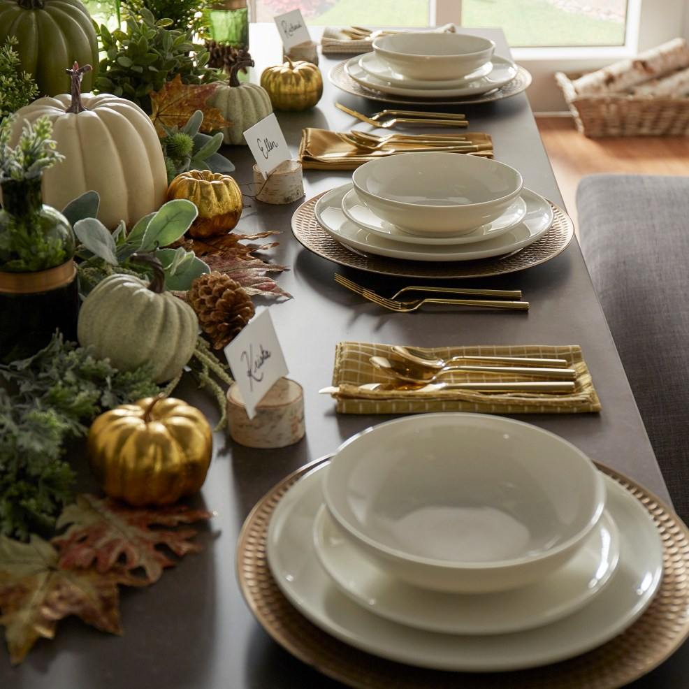 Natural Thanksgiving Tablescape-- plating and decor
