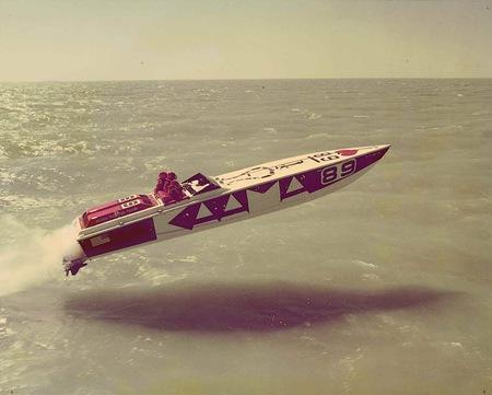https://i2.wp.com/blog.iso50.com/wp-content/uploads/2008/07/windowslivewriterkickassspeedboats-ae09book-art-4-025-thumb1.jpg