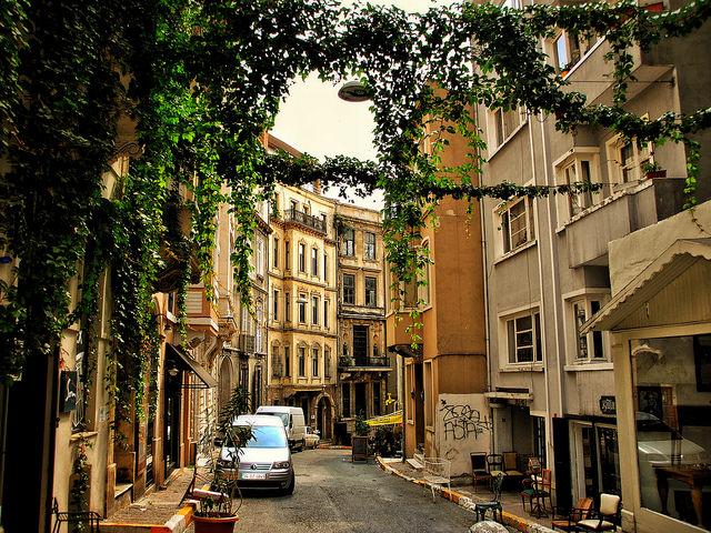 Faik Pasa Street, Cukurcuma. Image by Flicker user Deeetail