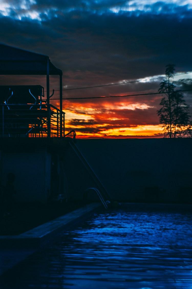 Coucher du soleil-Piscine-Paysage-Beauté