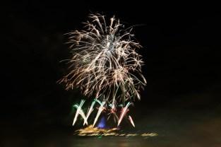 wdwmgk-fireworks-.9mi-3419