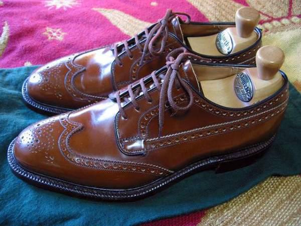 Imperméabilisant pour chaussures cuir bookbindé