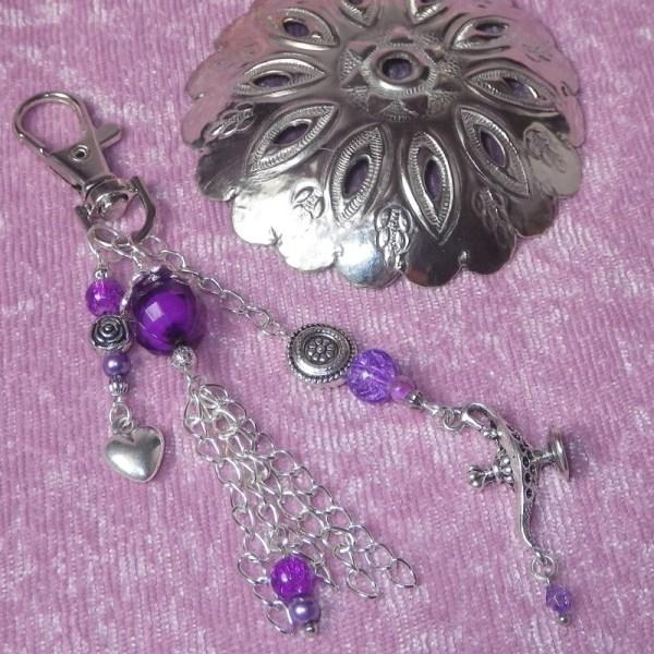 porte clé oriental violet