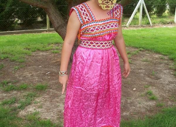 Bijoux et robes kabyles