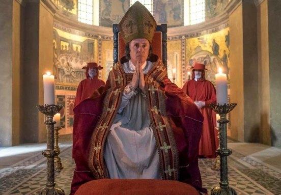 Teobaldo Visconti, el papa Gregorio X, en la serie Marco Polo